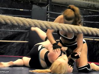 Sexy wrestling with Alice King and Daikiri