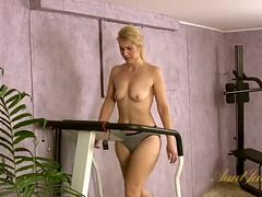 Cute milf strips naked during her workout