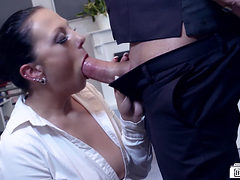 Bums Buero - Gorgeous German Milf Secretary Gets Banged...