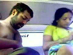 Indian slut lets me pummel her hard in the back seat of...