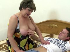 Desperate mature mothers tries young sausages