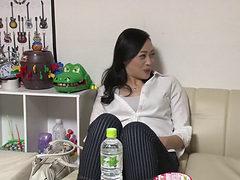 Jiken_kakkōrudo_jukujo_wakamono_04