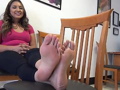 32 Year Old Mexican gets Tickled and teases her Soles (...