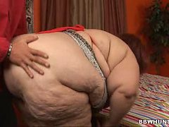 Plump Redheaded Sweet Cheeks Makes her body Shake While...