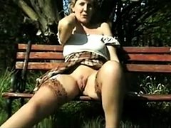 Amateur - Retro - VERY RARE - Sara open legs