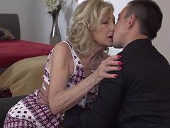 Granny Szuzanne Aka Eleanor (61)