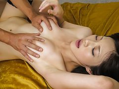 Amazing Japanese girl Sara Yurikawa in Hottest JAV unce...