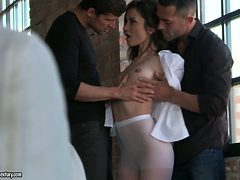 Sexy chick Valentina Bianco gets drilled by two brutal ...