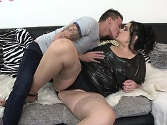 Chubby housewife fucking and sucking