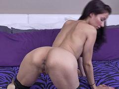 Milf Olivia Belle - Steamy Mom Solo