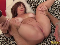 Chubby and Mature Isabelle Love Gets Her Pussy Licked a...