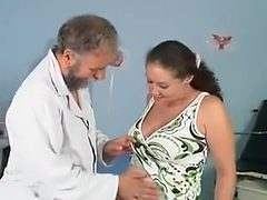 Orgy in the clinic of a doctor and beremenoyu