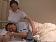 Kinky Japanese nurse would like the patient's cock insi...
