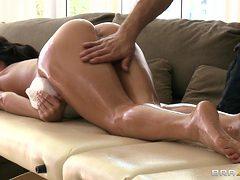 aleksa nicole getting a massage