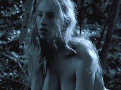 Au fond des bois (2010) Isild Le Besco