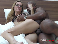 Mommy With Glasses Loves Rough Sex