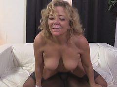 Slutty cougar Karen Summer experiences total ecstasy wh...