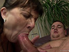 Mature with massive jugs gets her lovely face sperm cov...