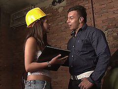 Crazy girlfriend Laura Arce opens her sexy mouth and pl...