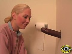 Mesmerizing blonde and her amazing time with the black ...